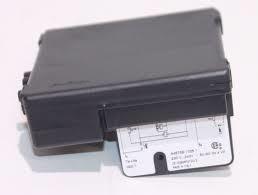 Boîtier contrôle S4575B1025 honeywell (39806210)